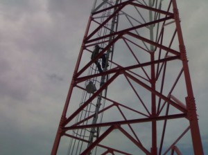 INSTALLER ON THE TOWER